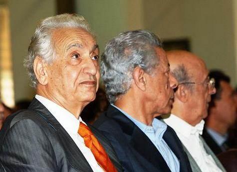 En septembre 2007, Hocine Aït Ahmed lors du lancement de l'Initiative des Trois.