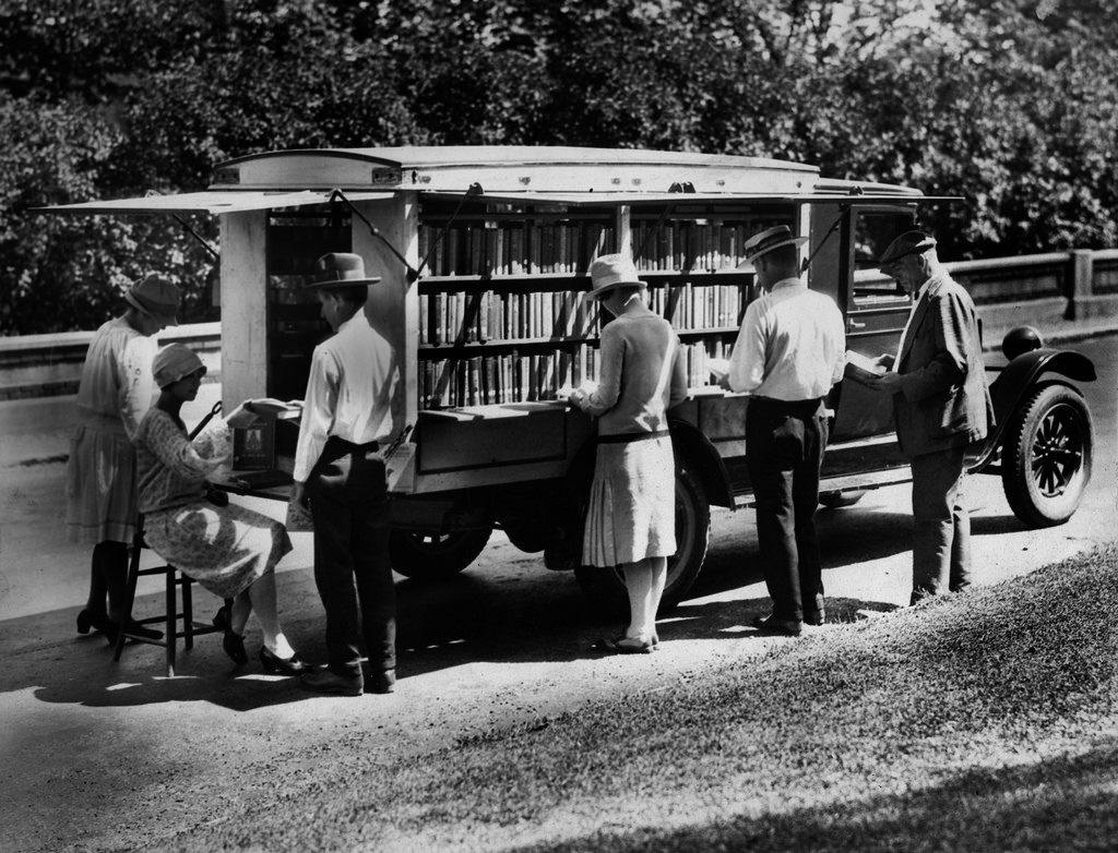 To The Bookmobile! The Library On Wheels Of Yesteryear