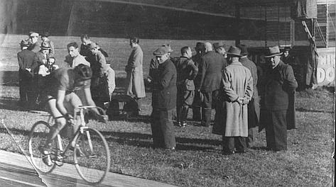 Fausto Coppi tenta il record al Vigorelli