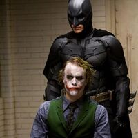 自以為是對抗蝙蝠俠的壞人在落網被關進監獄后,有人表示要私刑處決 - 偽基新聞