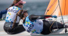 Tokio 2020 | Vela: la misionera Lourdes Hartkopf y su compañera finalizaron 13° en la cuarta regata y 19° en la quinta