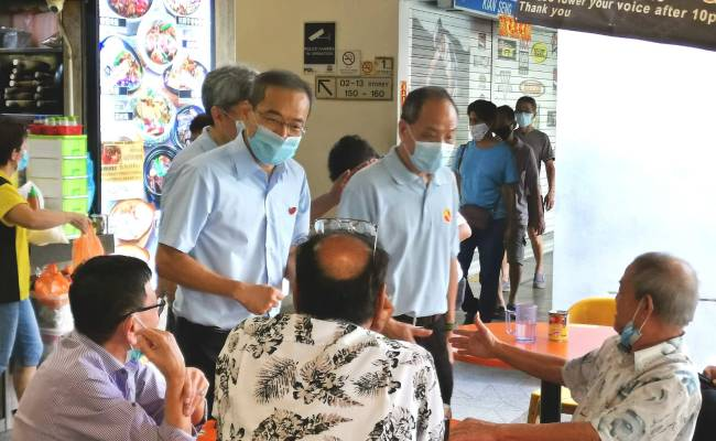 Low Thia Khiang Joins Sunday Morning Walkabout In Hougang