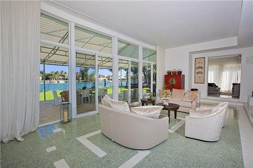 0404et7 Liz Taylor's Former Miami Beach House (PHOTOS)
