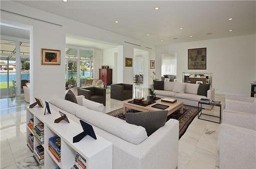 0404et9 Liz Taylor's Former Miami Beach House (PHOTOS)