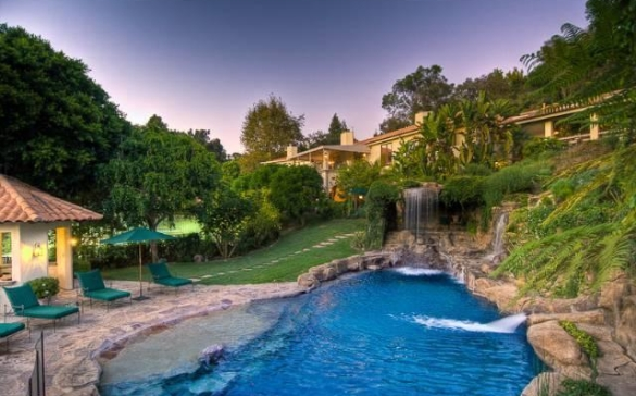 0909oakpass3 Mark Wahlberg Re Lists Beverly Hills Home (PHOTOS)