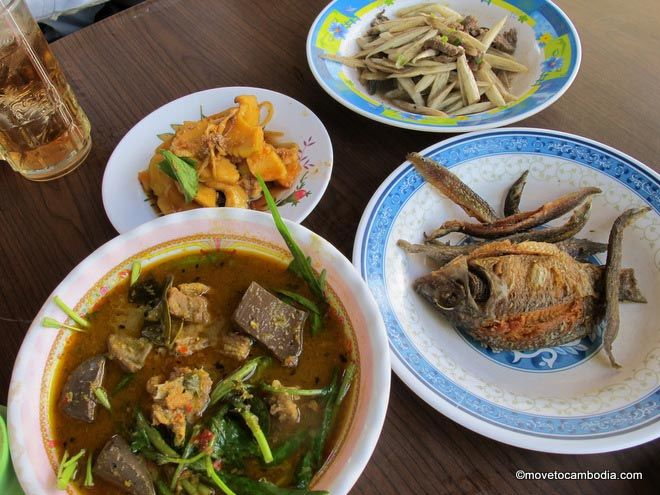 Cambodian food what to expect from cuisine in cambodia cambodian food forumfinder Choice Image