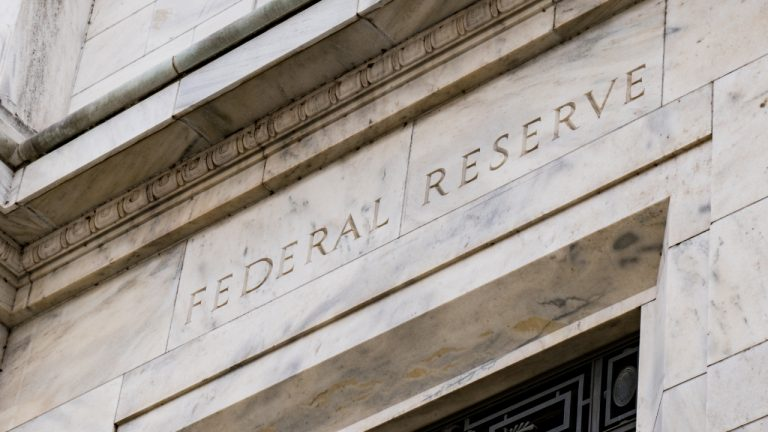 Federal Reserve Bank Officials: Cryptocurrency Sell-off Not a Systematic Concern, Does Not Affect Fed Policy