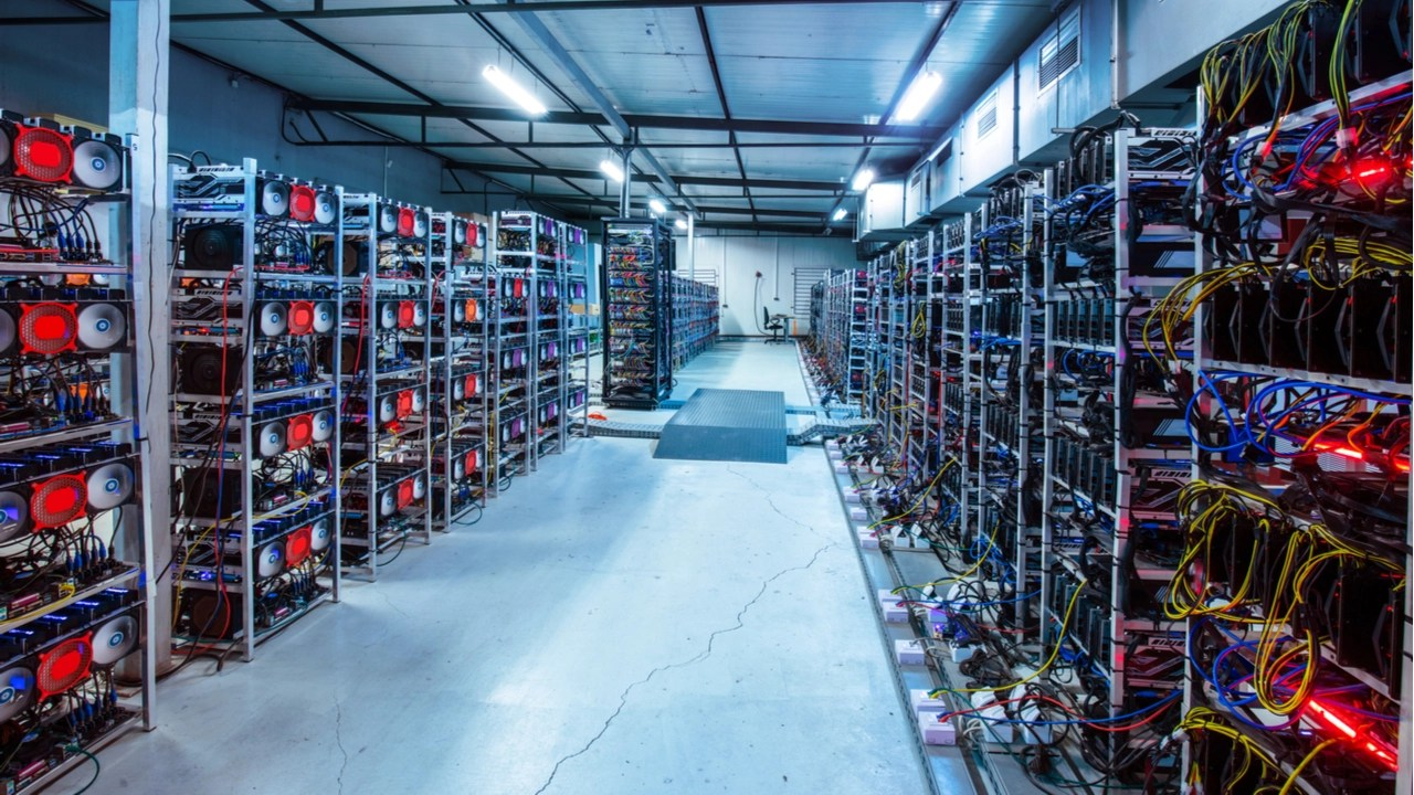 Iran Counts 30 Crypto Mining Farms Licensed to Mint Digital Currencies