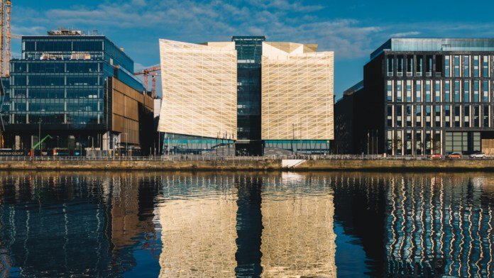 Central Bank of Ireland Governor Talks Crypto, Praises 'Secure, Decentralized' Technology