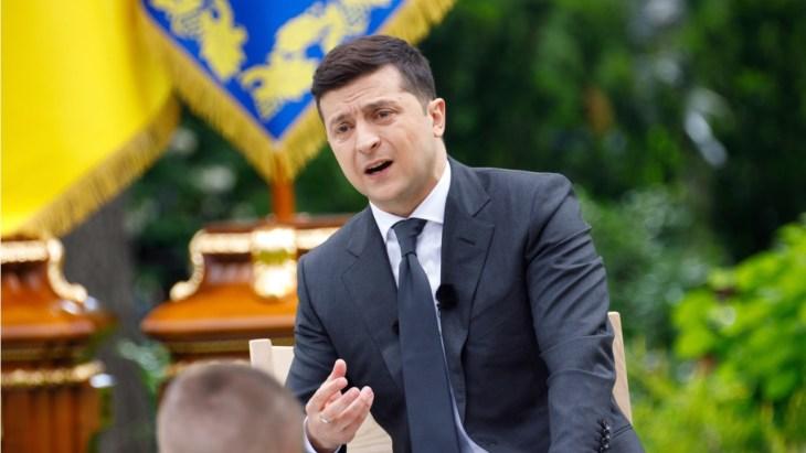 Presidente da Ucrânia, Zelensky, devolve lei 'sobre ativos virtuais' ao Parlamento