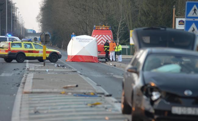Spectaculair Ongeval Eist Twee Jonge Levens Brugge Het