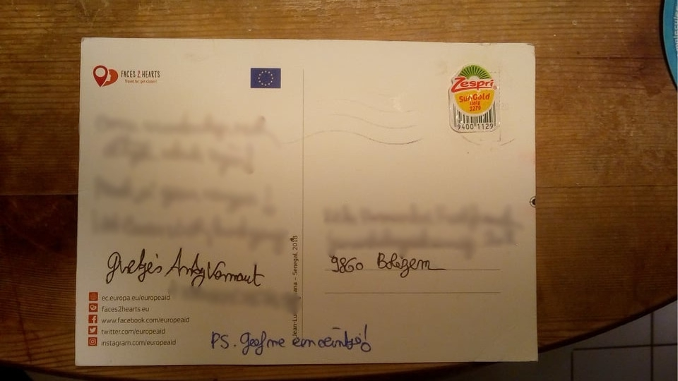 """Opnieuw briefkaart met kiwisticker bezorgd door Bpost: """"Goed... - Het Nieuwsblad"""