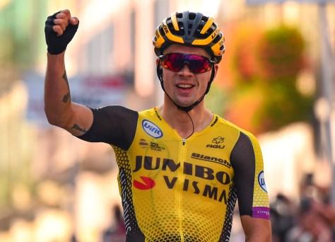 Primoz Roglic vence o melhor talento Tadej Pogacar no emocionante campeonato esloveno