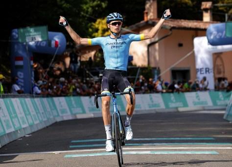 Só não para Deceuninck - Quick-Step: impressionante Vlasov continua e fala sobre João Almeida pela vitória no Giro dell'Emilia