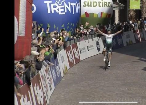 Felix Grosschartner sobe a última etapa, Simon Yates é o vencedor final no Tour dos Alpes