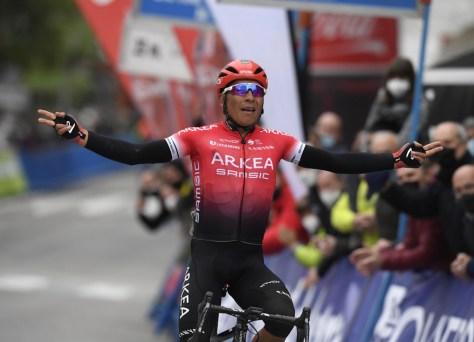 Nairo Quintana obtém a primeira vitória desta temporada na fase de abertura da Volta às Astúrias