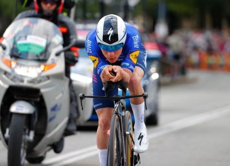 Foi assim que os favoritos fizeram no primeiro contra-relógio do Giro: uma coisa boa imediata para a Remco Evenepoel, o número dois do ano passado já está fazendo sucesso