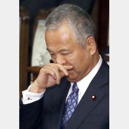 甘利大臣は28日に記者会見(C)日刊ゲンダイ