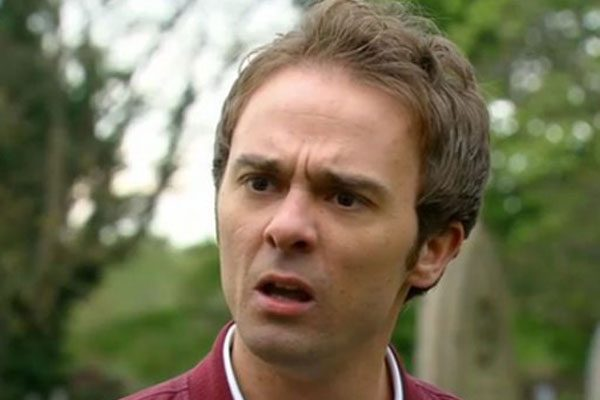 Coronation Street: Viewers go into MELTDOWN as they notice something odd about David Platt's fingers