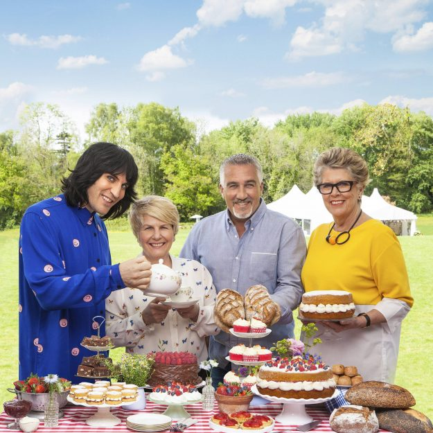 Noel Fielding's shirts cause chaos on The Great British Bake Off