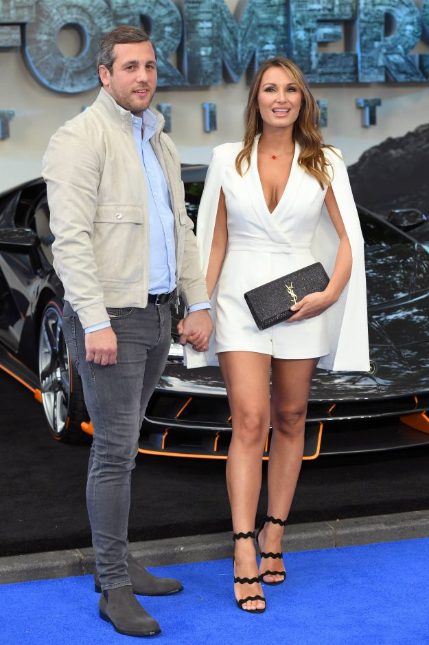 Sam Faiers and Paul Knightley held hands on the red carpet