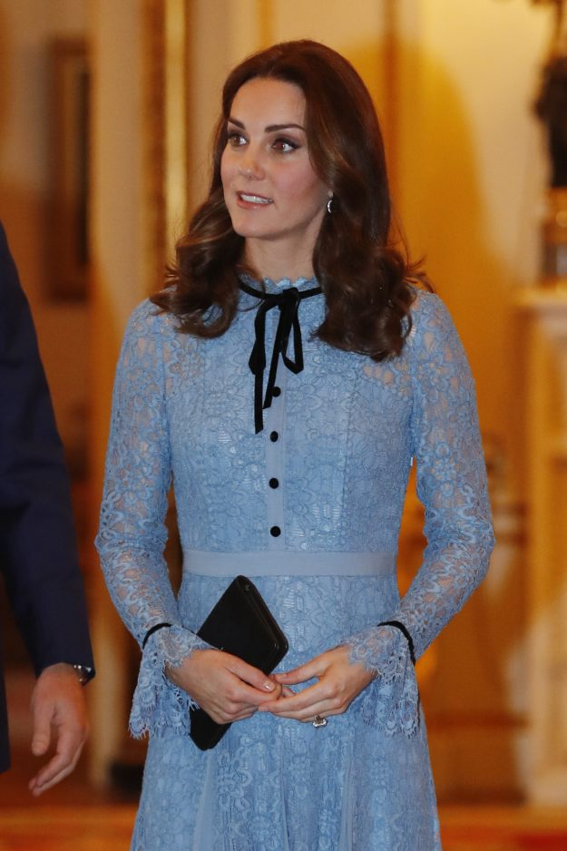 Britain's Catherine, Duchess of Cambridge takes part in a reception at Buckingham Palace to celebrate World Mental Health Day in central London on October 10, 2017 / AFP PHOTO / POOL / Heathcliff O'Malley (Photo credit should read HEATHCLIFF O'MALLEY/AFP/Getty Images)
