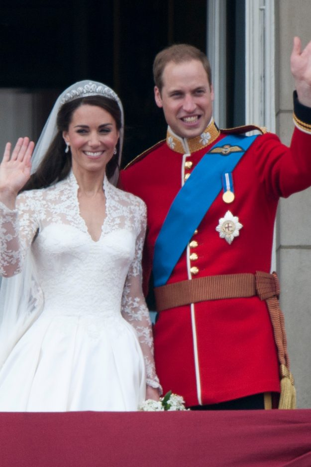 LONDON, UNITED KINGDOM - JANUARY 13:  TRH Catherine, Duchess of Cambridge and Prince William, Duke of Cambridge on the balcony at Buckingham Palace, following their wedding at Westminster Abbey on April 29, 2011 in London, England.     (Photo by Mark Cuthbert/UK Press via Getty Images)