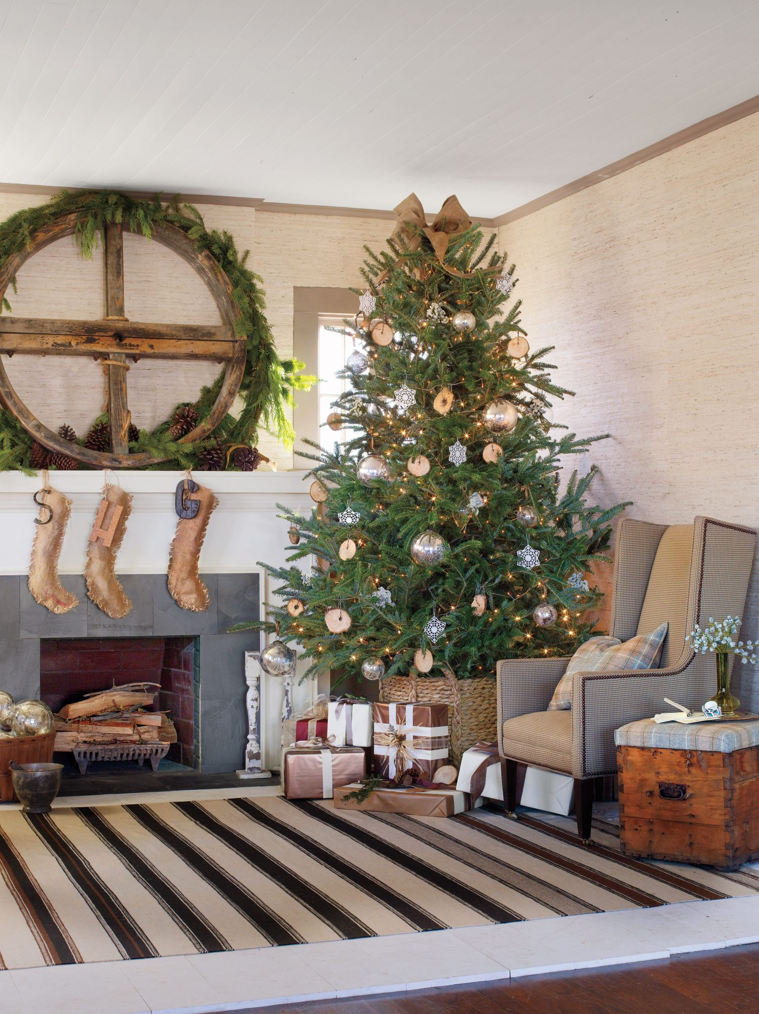Rustic Christmas Decorating Ideas You Ll Love Southern Living