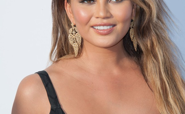 Chrissy Teigen Hilariously Shares All The Dumb Questions