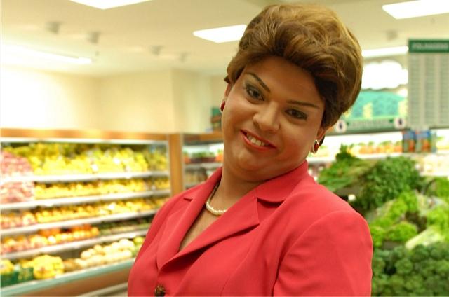 Humorista Gustavo Mendes imitando Dilma Rousseff (Foto: Reprodução)