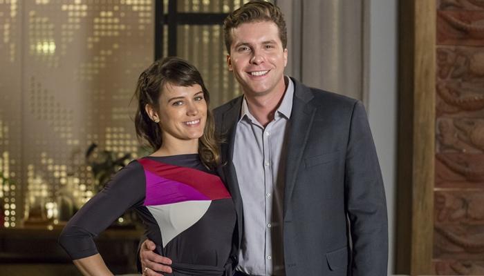 Clara (Bianca Bin) e Patrick (Thiago Fragoso) em O Outro Lado do Paraíso (Foto: Globo/Marília Cabral)