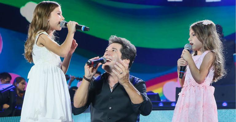 Filhas do cantor Daniel roubam a cena em show do pai Manuela (Scarpa/Brazil News)