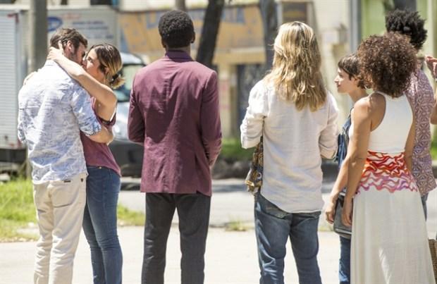 Luzia (Giovanna Antonelli) sai da prisão em Segundo Sol (Foto: Globo/João Cotta)