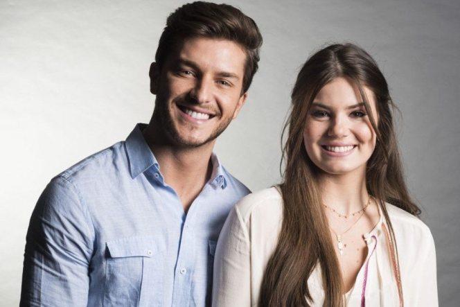 Klebber Toledo e Camila Queiroz (Foto: Divulgação)