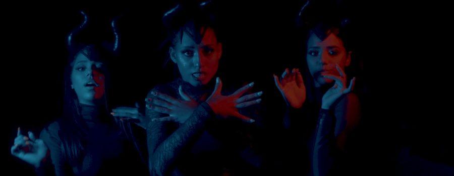 MC Loma e as Gêmeas Lacração lançaram o hit Malévola (Foto: Reprodução/YouTube)