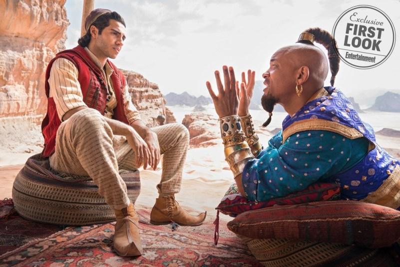 Will Smith aparece em primeira cena como o Gênio da Lâmpada, do filme Alladin, ao lado de Mena Massoud — Foto: Entertainment Weekly/Divulgação