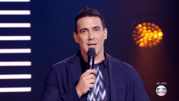 André Marques na final da 4ª temporada do The Voice Kids (Foto: Reprodução/Globo)