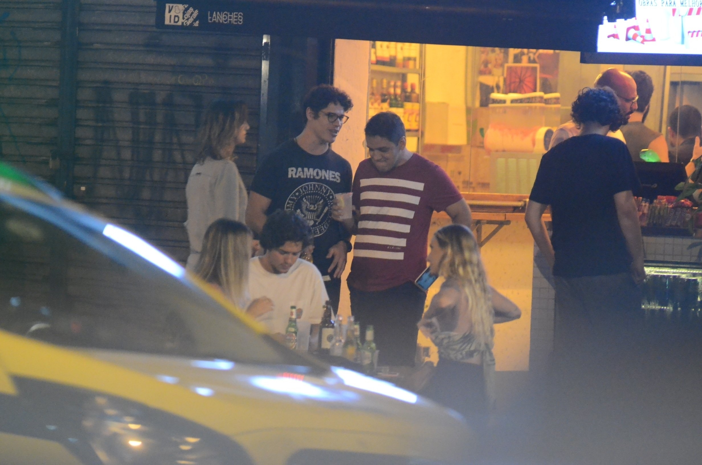 Com o fim de O Sétimo Guardião, José Loreto quebra acordo com o Debora Nascimento e sai pra noitada no Rio Foto: Webert belicio / AgNews