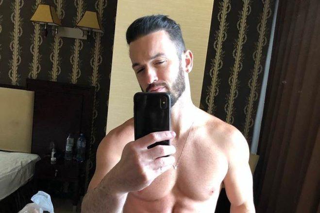 Ginasta Diego Hypolito exibe abdômen trincado em foto (Reprodução/Instagram)