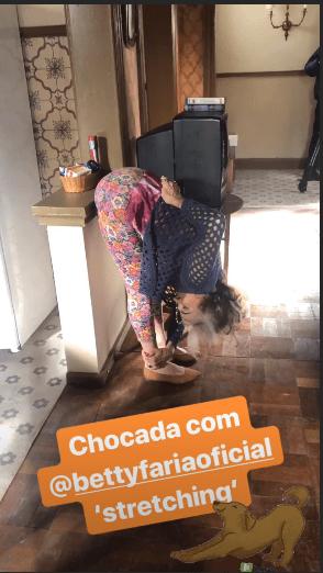 A atriz da Globo, que está na novela A Dona do Pedaço, Betty Faria foi flagrada fazendo movimentos inusitados (Foto Reprodução/Instagram)
