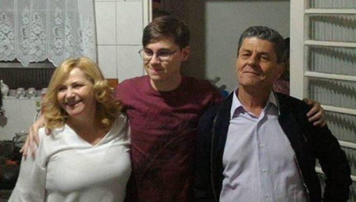 Rafael Miguel e os pais, Miriam Selma Miguel e João Alcisio Miguel (Foto: Reprodução)