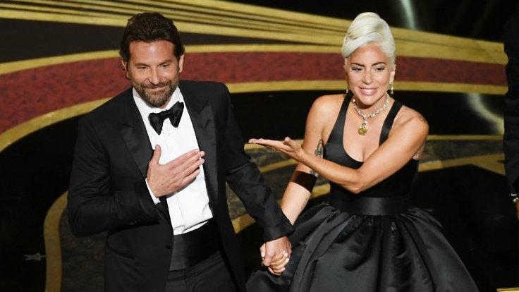 Lady Gaga e Bradley Cooper podem estar se envolvendo (Foto: Reprodução)