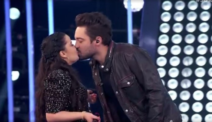 Rolou beijão entre Maiara e Fernando no programa SóTocaTop, da Globo (Foto: Reprodução/Globo)