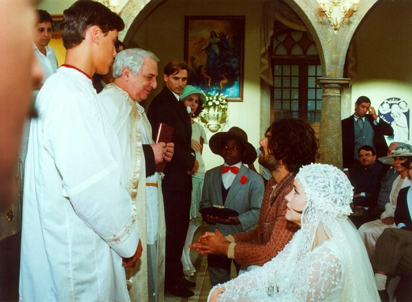 O ator que trabalhou em inúmeras novelas da Globo, como O Cravo e a Rosa, Lafayette Galvãoque faleceu aos 83 anos (Reprodução/TV Globo)