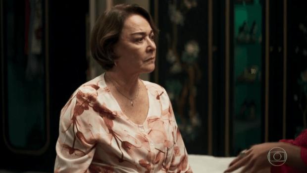Evelina (Nívea Maria) perceberá mentiras de Josiane em A Dona do Pedaço (Foto: Reprodução/Globo)