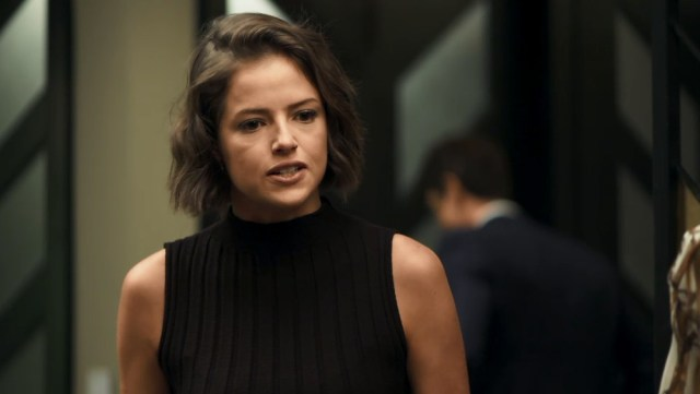 Josiane fica enfurecida na novela A Dona do Pedaço (Foto: Reprodução/Globo)