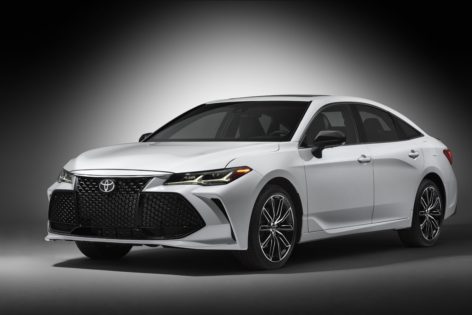 all new camry 2019 malaysia agya trd sportivo premium style and luxury toyota avalon