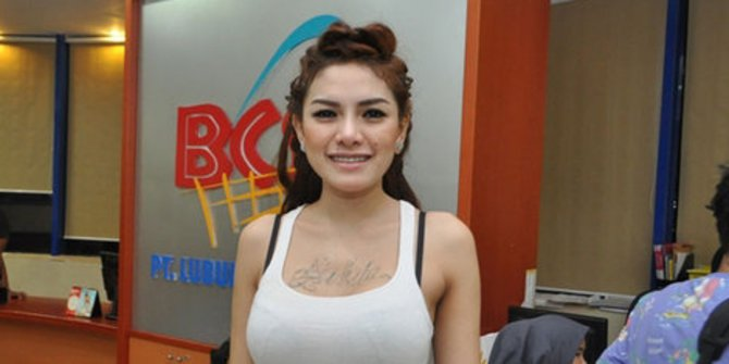Nikita Mirzani Jakarta Undercover