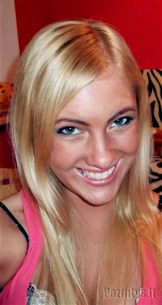 Karolyte, 21
