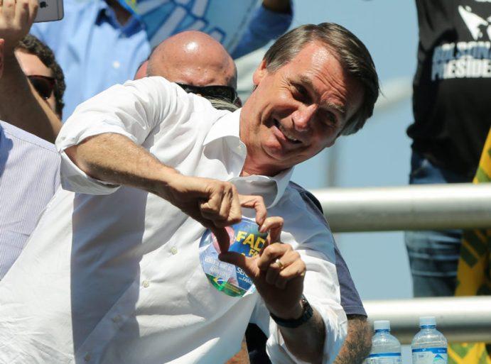 Em mensagem de Natal, Bolsonaro fala em 'restaurar o sentimento familiar' |  Poder360
